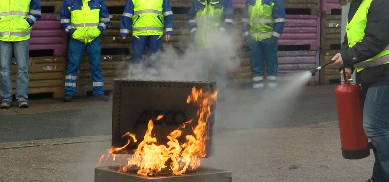 Brandschutzuebung mit BENCHPlusX